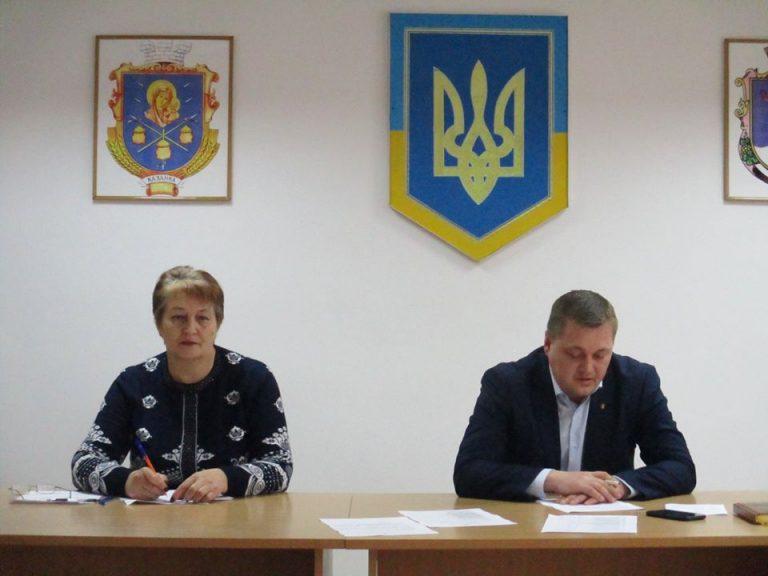 Депутати Казанківської селищної ради підтримали Всеукраїнську акцію #Поверніть_гроші_громадам