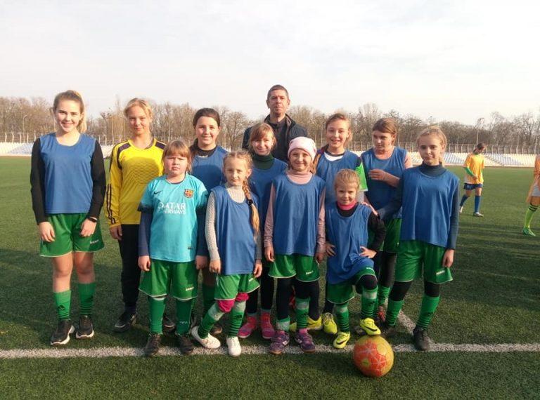 Наші дівчата в призерах обласних змагань з футболу