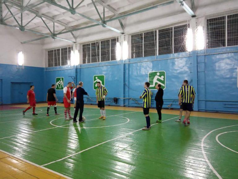 В свято Миколая відбулися 2 матчі 2 туру чемпіонату району з футзалу