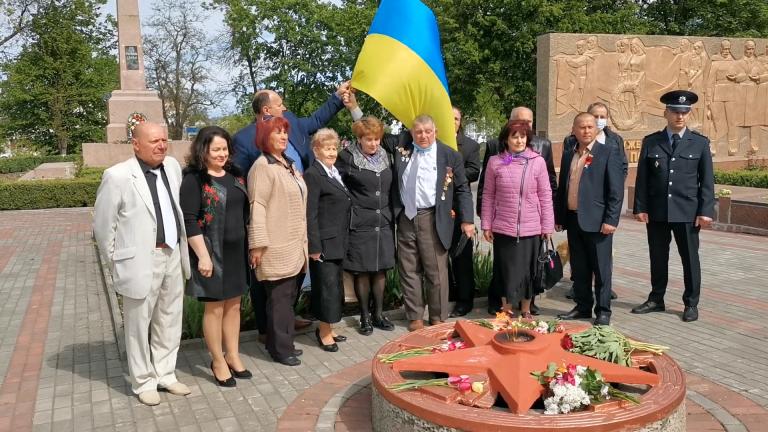 Покладання квітів до обеліску слави 9 травня 2020 року День перемоги над Німецьким нацизмом