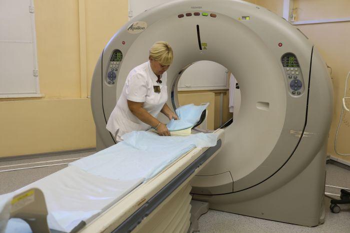 Цього року районні та міські лікарні України отримають 210 нових комп'ютерних томографів