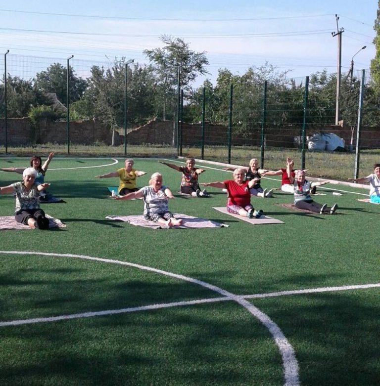 """На території Казанки для слухачів """"Університет третього віку"""" проводять лікувальну гімнастику"""
