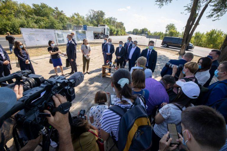 Президент: Планується закупити та встановити 50-80 комплексів автоматичного габаритно-вагового контролю по всій Україні