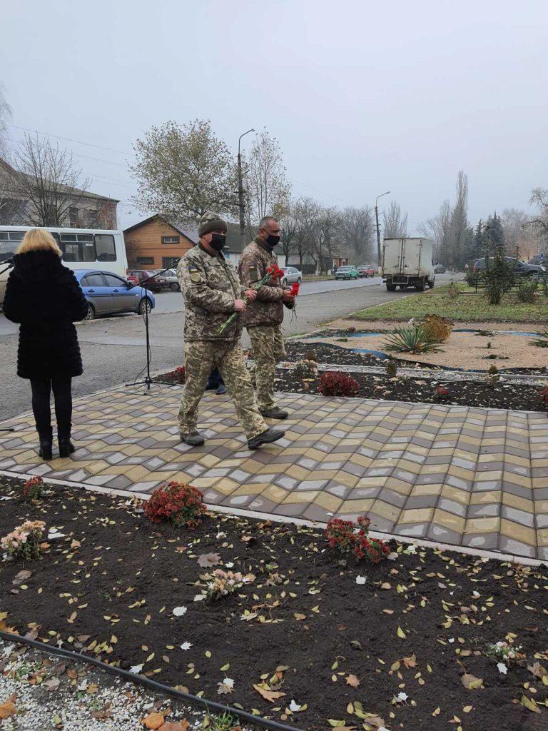 Тепло долонь і серця – захисникам України