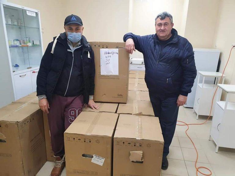Бондар Олександр на день волонтера привіз 30 кисневих концентраторів
