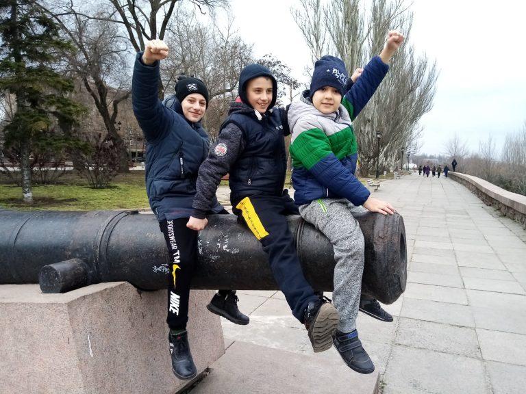 В Миколаєві відбулися змагання з кікбоксингу за версією фул-контакт лоу-кік на якому були представленні спортсмени Нового Бугу