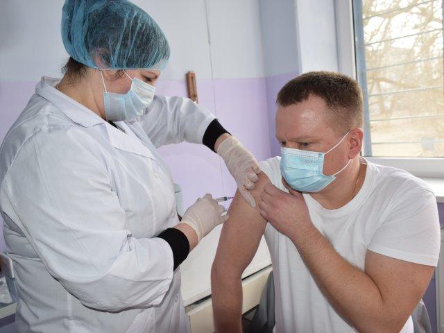 Першочергово отримують вакцину працівники спеціалізованих шпиталів Миколаъвщини