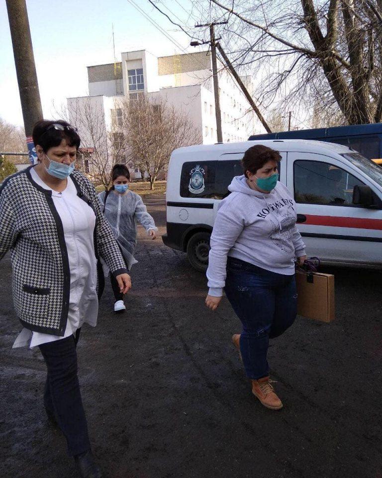 Лікарі Баштанської лікарні приїжджали вакцинувати Новобузьких лікарів