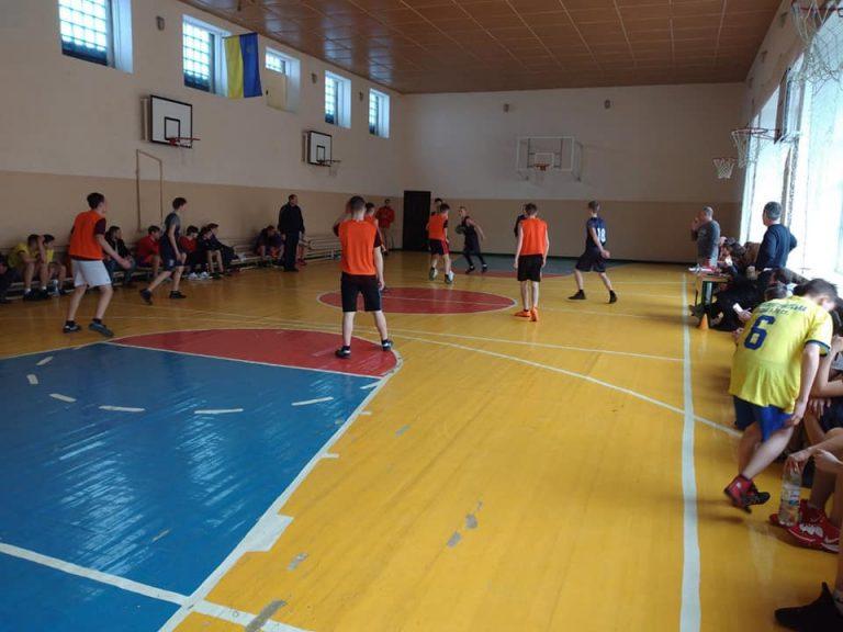 Новобузькі баскетболісти зайняли 2 місце на зональних змаганнях